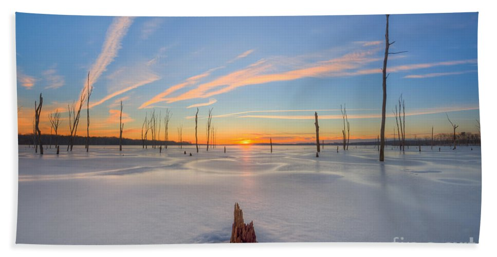 Frost Bite Hand Towel featuring the photograph Frozen Sunrise V2 by Michael Ver Sprill