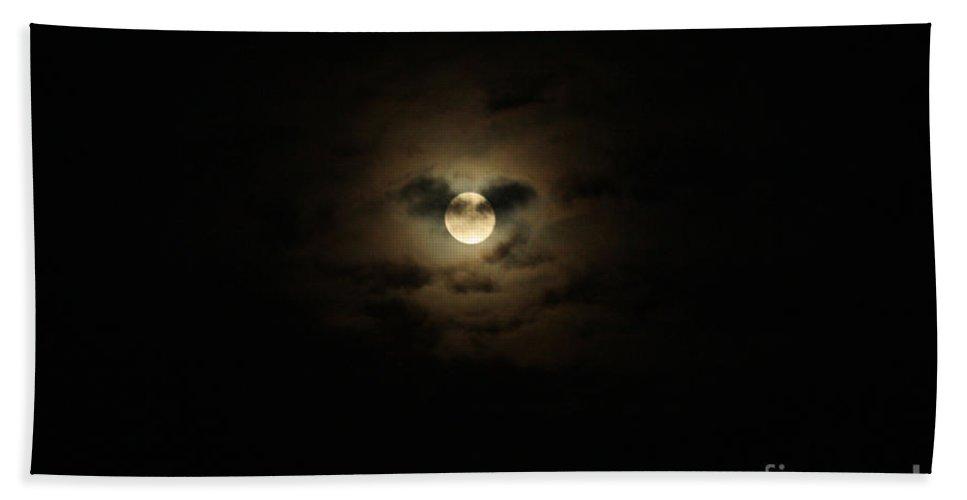 Full Moon Over Long Island Bath Sheet featuring the photograph Full Moon Over Long Island by John Telfer