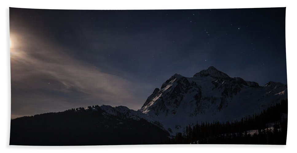 Moon Hand Towel featuring the photograph Full Moon Shuksan by Mike Reid