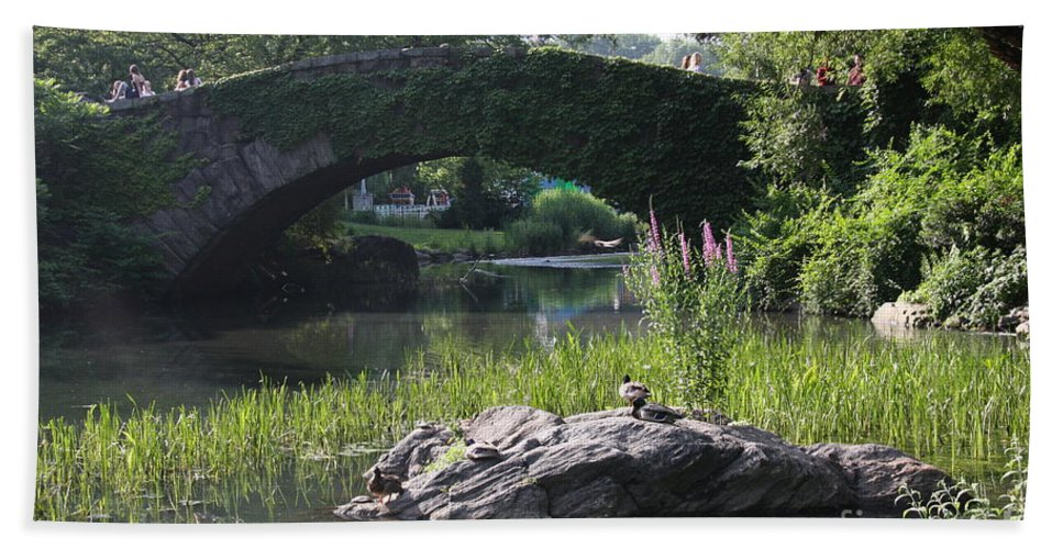 Bridge Hand Towel featuring the photograph Gapstow Bridge - Nyc by Christiane Schulze Art And Photography