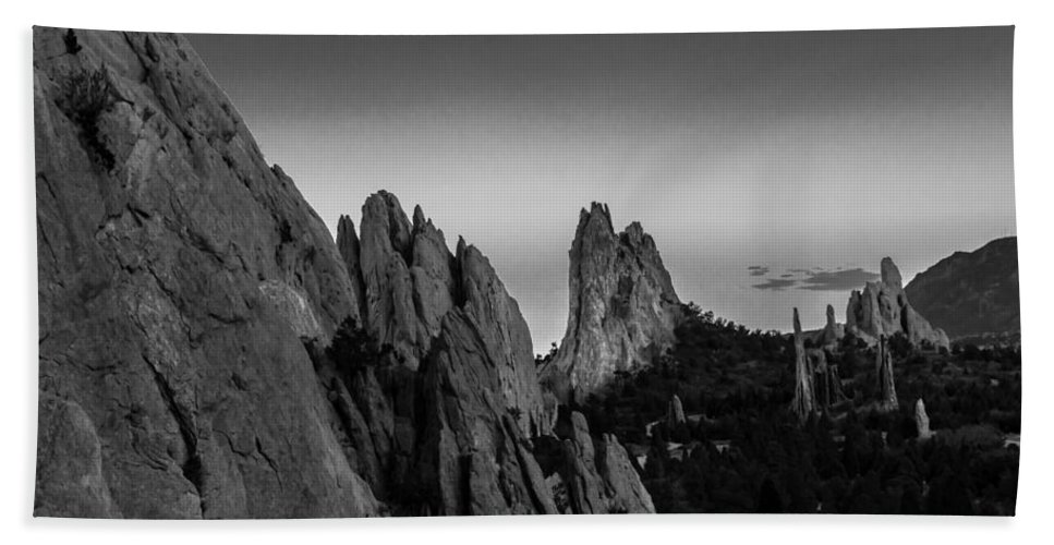 Garden Of The Gods Bath Sheet featuring the photograph Garden Of The Gods by Ray Sheley