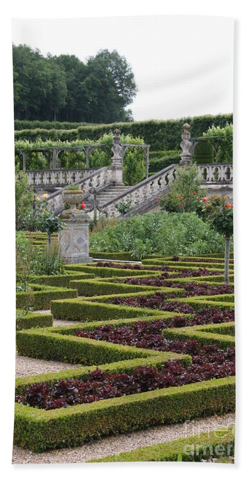Cabbage Bath Sheet featuring the photograph Garden Symmetry Chateau Villandry by Christiane Schulze Art And Photography