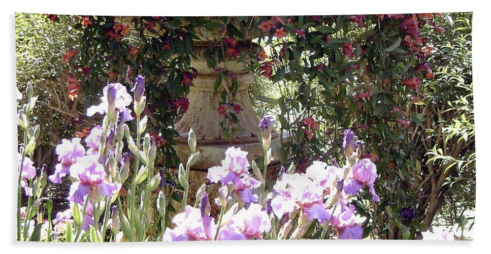 Flowers In A Pot Hand Towel featuring the photograph Gardens At Caesars by Gerry High