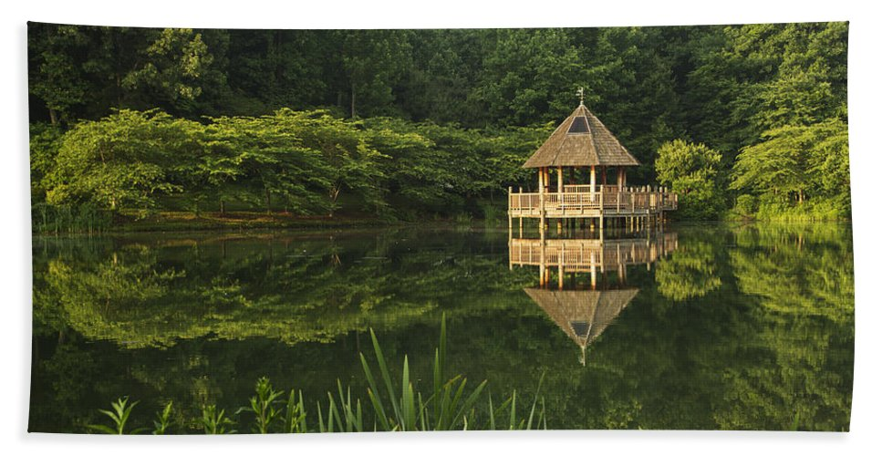 Meadowlark Gardens Hand Towel featuring the photograph Gazebo Reflections by Guy Shultz