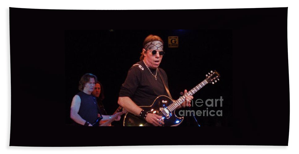 George Thorogood Bath Sheet featuring the photograph George Thorogood by John Telfer