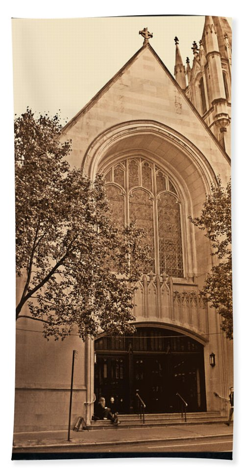 New York Bath Sheet featuring the photograph Get Me To The Church by Donna Blackhall