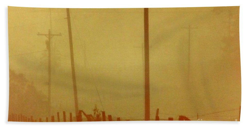Fog Hand Towel featuring the photograph Mississippi Ghostly Morning by Michael Hoard