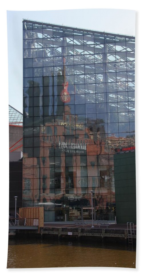 Glaas Facade Hand Towel featuring the photograph Glass Facade Reflection - Aquarium Baltimore by Christiane Schulze Art And Photography