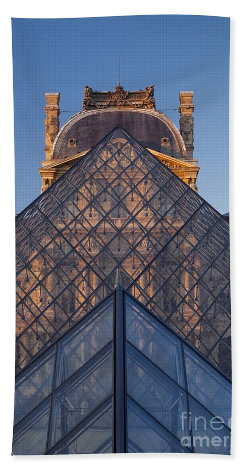 Architectural Hand Towel featuring the photograph Glass Pyramid At Musee Du Louvre by Brian Jannsen