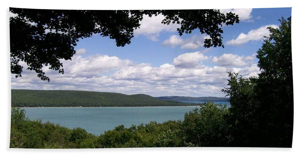 Lake Hand Towel featuring the photograph Glen Lake Michigan by Laurie Eve Loftin