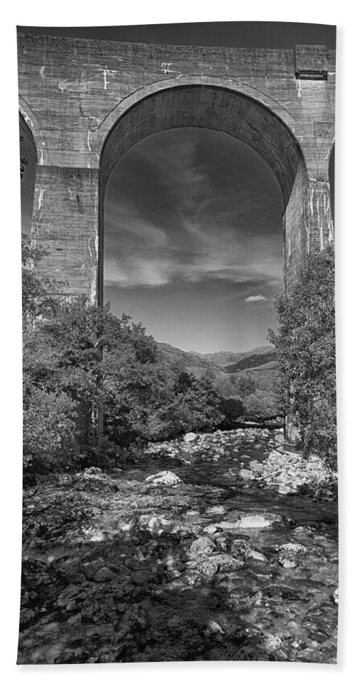 Glenfinnan Bath Sheet featuring the photograph Glenfinnan Viaduct by Eunice Gibb
