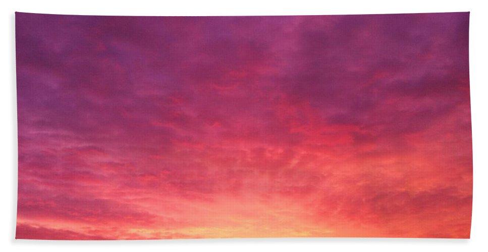 Sunrise Hand Towel featuring the photograph Glory by Melissa Darnell Glowacki