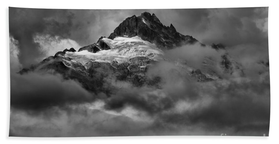 Tantalus Bath Sheet featuring the photograph Glowing Glaciers In The Tantalus Range by Adam Jewell