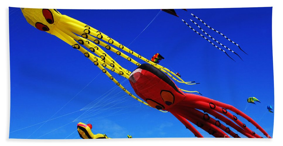 Kite Bath Sheet featuring the photograph Go Fly A Kite 7 by Bob Christopher
