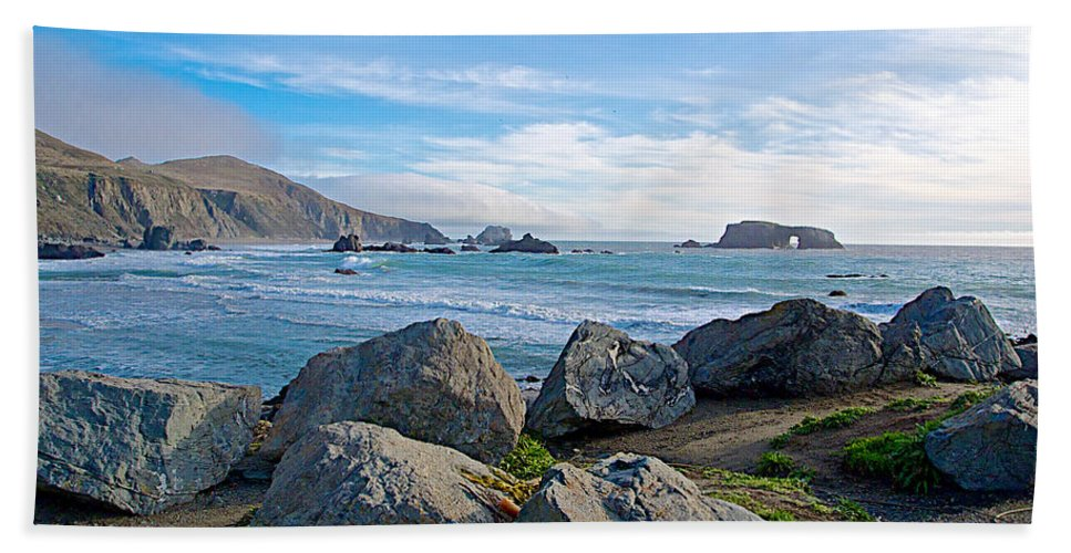 Goat Rock State Beach On The Pacific Ocean Near Outlet Of Russian River Hand Towel featuring the photograph Goat Rock State Beach Near Russian River Outlet Near Jenner-ca by Ruth Hager