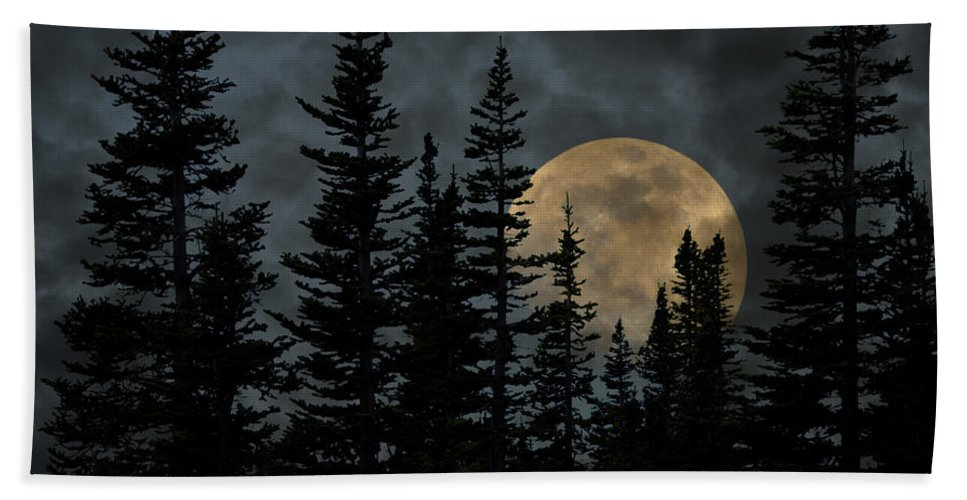 Glacier National Park Hand Towel featuring the photograph Going To The Sun Moonrise by John Stephens