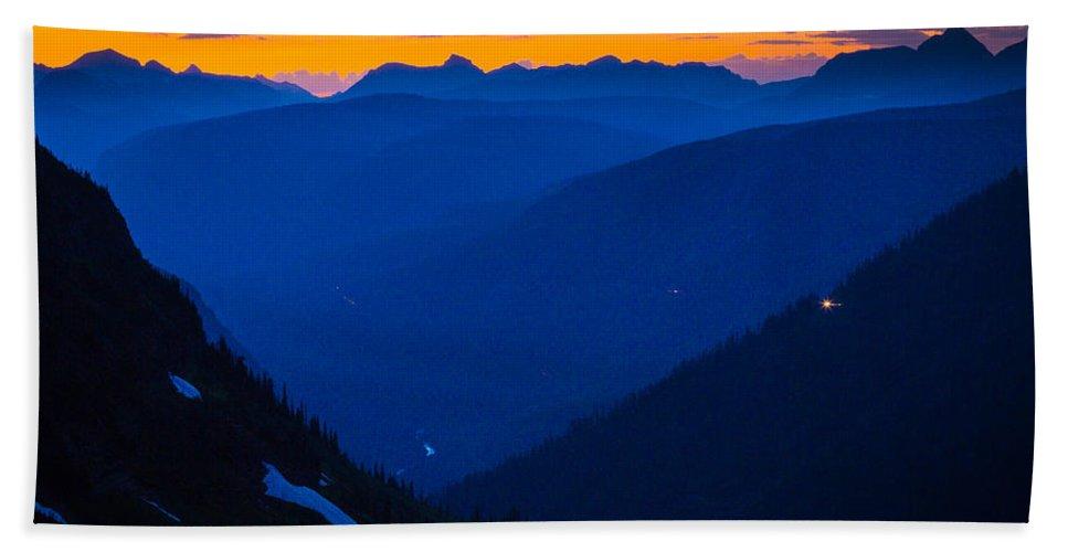 America Hand Towel featuring the photograph Going-to-the-sun Sunset by Inge Johnsson