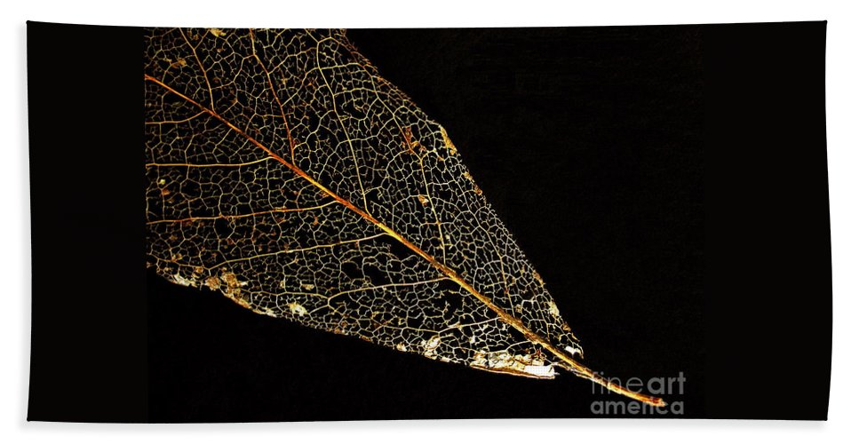 Leaf Bath Towel featuring the photograph Gold Leaf by Ann Horn
