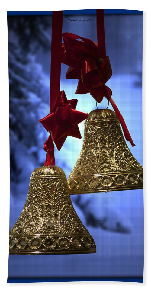 Green Hand Towel featuring the photograph Golden Bells Blue Greeting Card by Thomas Woolworth