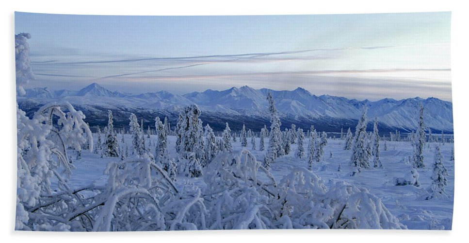 Landscapes Hand Towel featuring the photograph Goodnight Chugach by Jeremy Rhoades