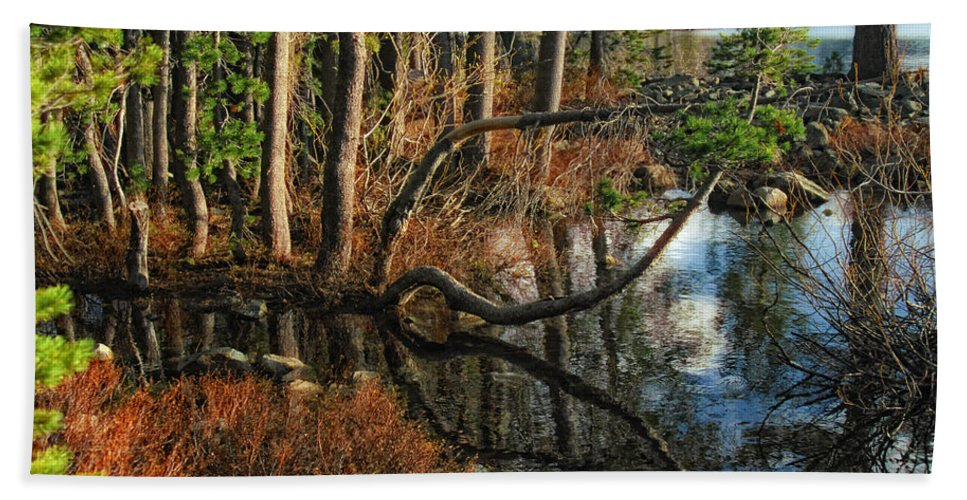 Goose Lake Bath Sheet featuring the photograph Goose Lake Twilight by Donna Blackhall