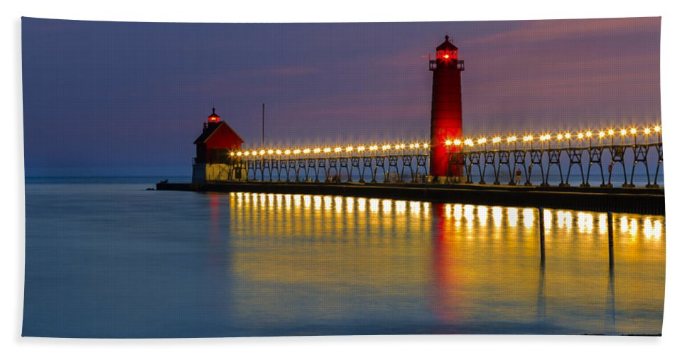 Sunset Grand Bath Sheet featuring the photograph Grand Haven South Pier Lighthouse by Jack R Perry