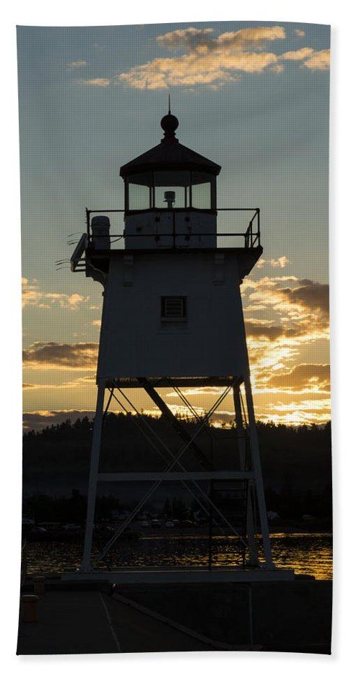 Lighthouse Bath Sheet featuring the photograph Grand Marais Mn Lighthouse 6 by John Brueske