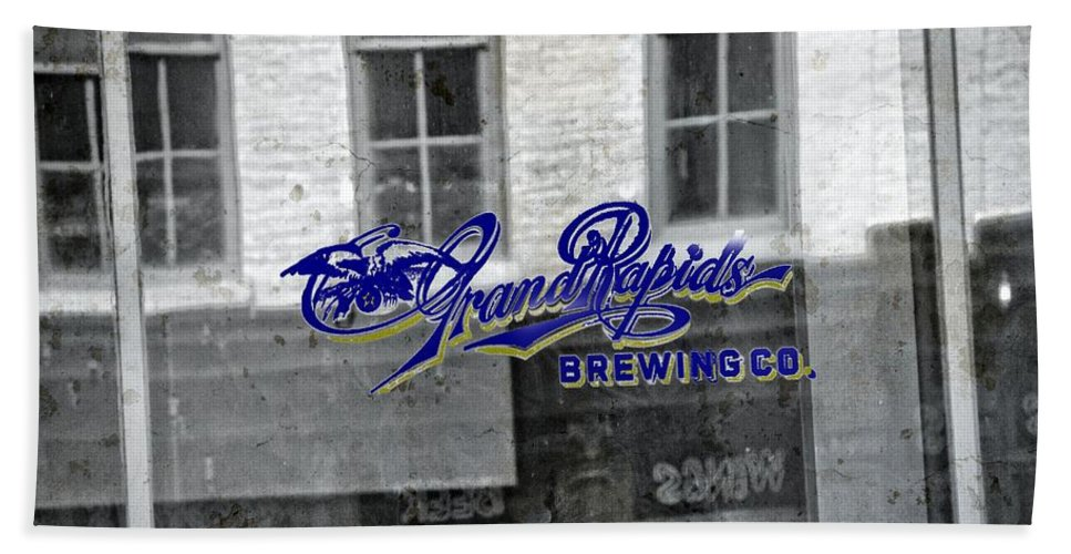 Grand Rapids Brewing Co Bath Sheet featuring the photograph Grand Rapids Brewing by Dan Sproul
