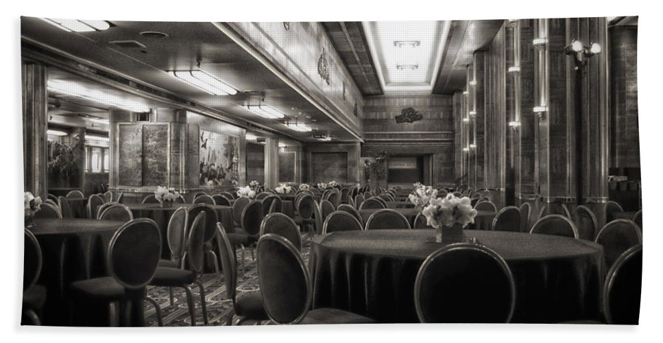 Queen Mary Hand Towel featuring the photograph Grand Salon 05 Queen Mary Ocean Liner Bw by Thomas Woolworth