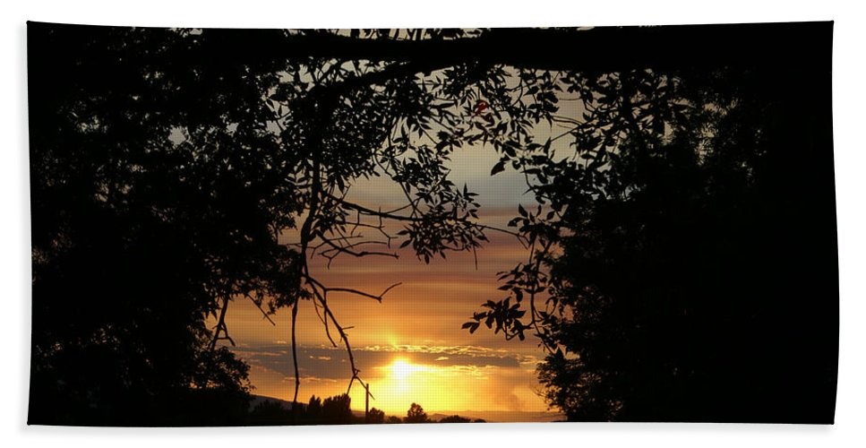 Silhouette Hand Towel featuring the photograph Grand Valley Sunset by Jeremy Rhoades