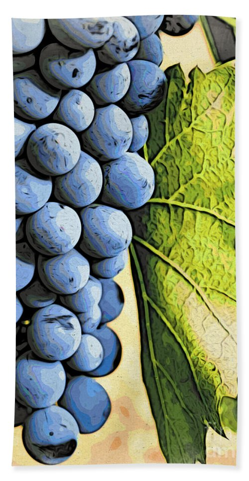 Kitchen Art Bath Sheet featuring the photograph Grapes 2 by Jacklyn Duryea Fraizer