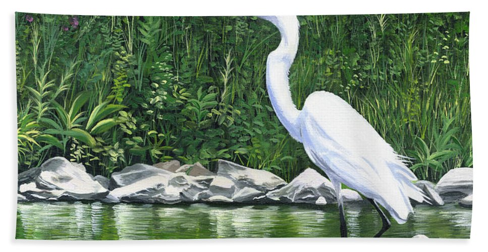 Great Egret Hand Towel featuring the painting Great Egret by Christopher Lyter