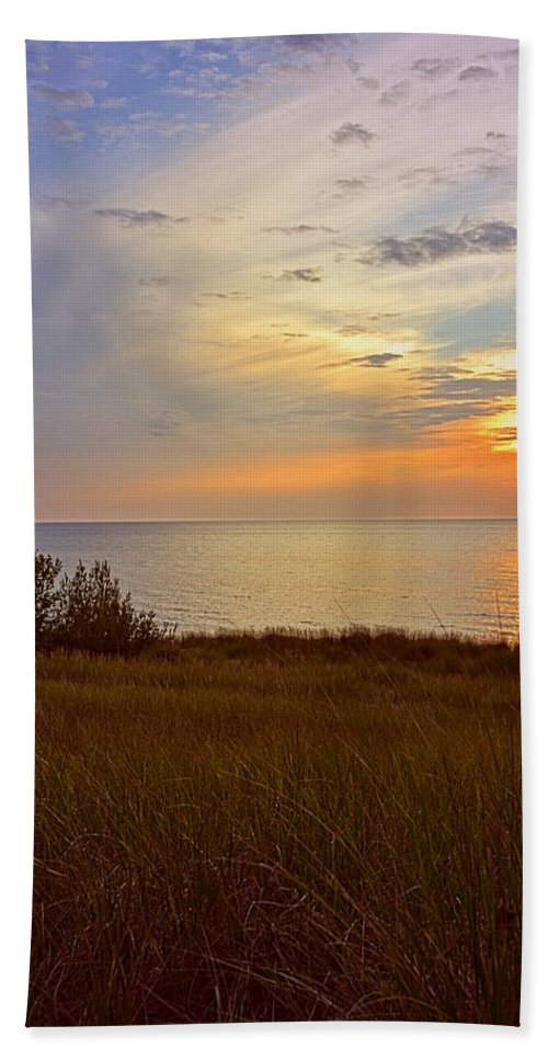 Sunsets Bath Sheet featuring the photograph Great Lake Great Sunset by Michelle Calkins