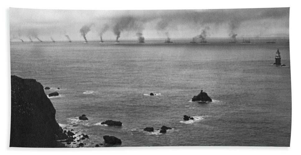16 Battleships Hand Towel featuring the photograph Great White Fleet Visits Sf by Underwood Archives