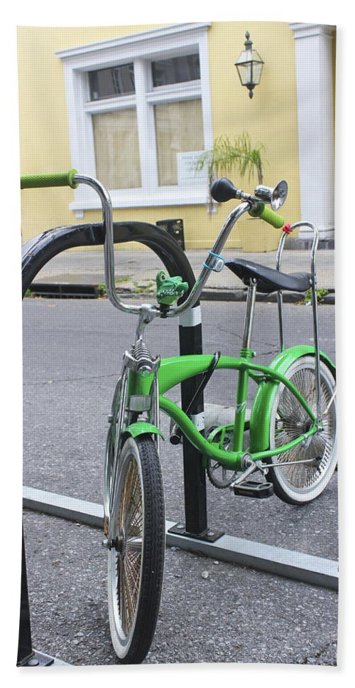 Bicycle Bath Towel featuring the photograph Green Bike by Carlos Diaz