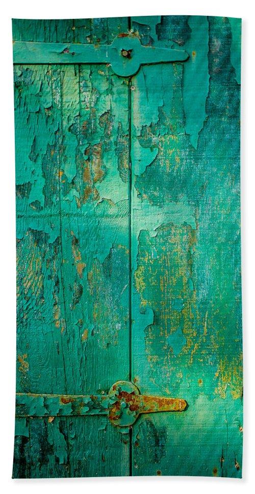 Wabi Sabi Hand Towel featuring the photograph Green Door - Carmel By The Sea by David Smith