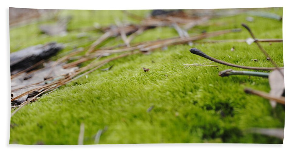 Moss Hand Towel featuring the photograph Green by Marysue Ryan