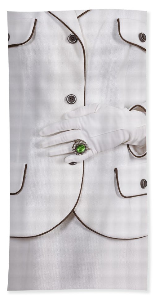 Woman Hand Towel featuring the photograph Green Ring by Joana Kruse