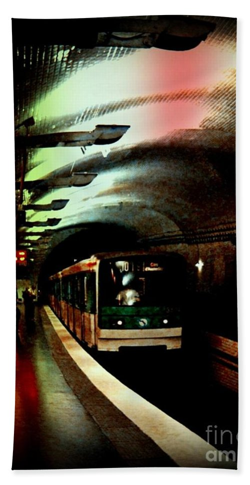Subway Hand Towel featuring the photograph Gritty by John Malone