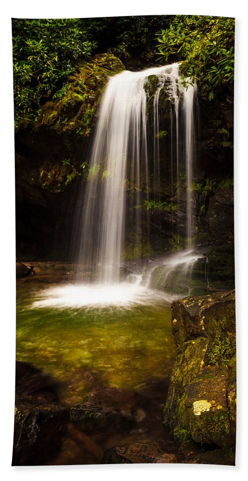Grotto Falls Hand Towel featuring the photograph Grotto Falls by Keith Allen
