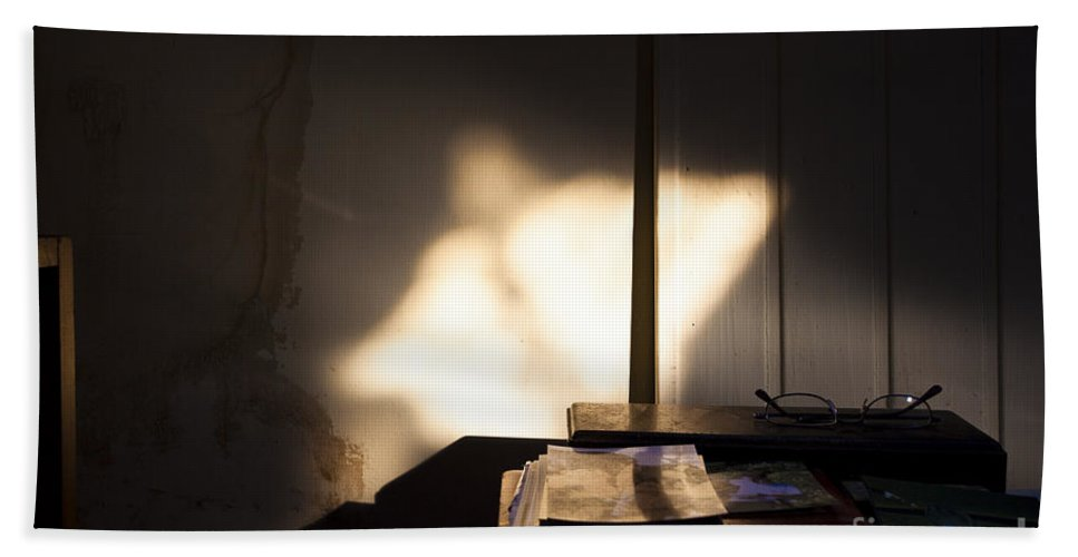 Appearance Hand Towel featuring the photograph Guardian Angel by Casper Cammeraat