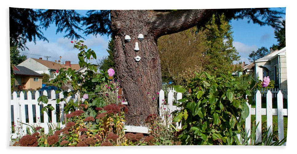 Tree Hand Towel featuring the photograph Guardian Of The Flowers by Tikvah's Hope