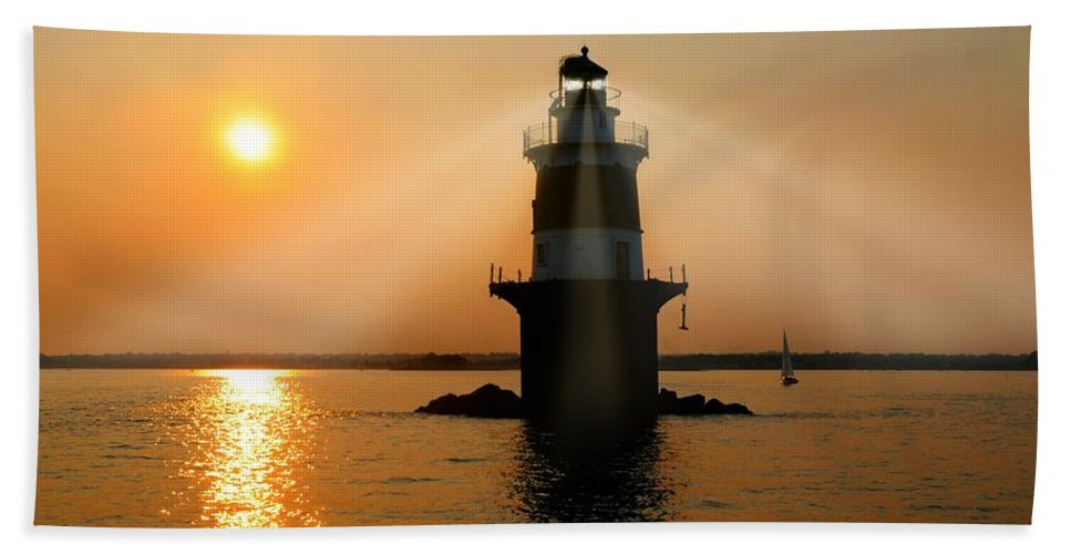 Norwalk Connecticut Lighthouse Hand Towel featuring the photograph Guiding Light by Diana Angstadt