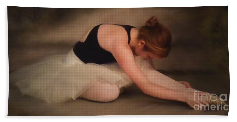 Dance Bath Sheet featuring the painting H Oil First Morning Stretch by Dale Crum