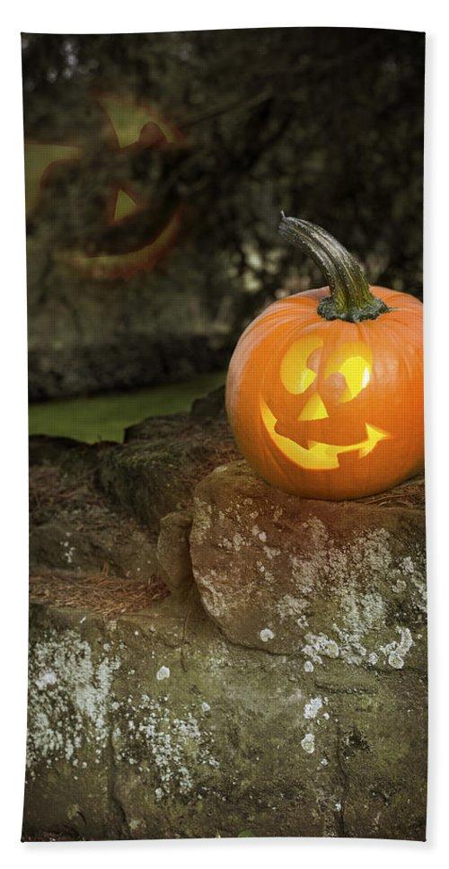 Pumpkin Bath Sheet featuring the photograph Halloween Jack O Lanterns by Amanda Elwell