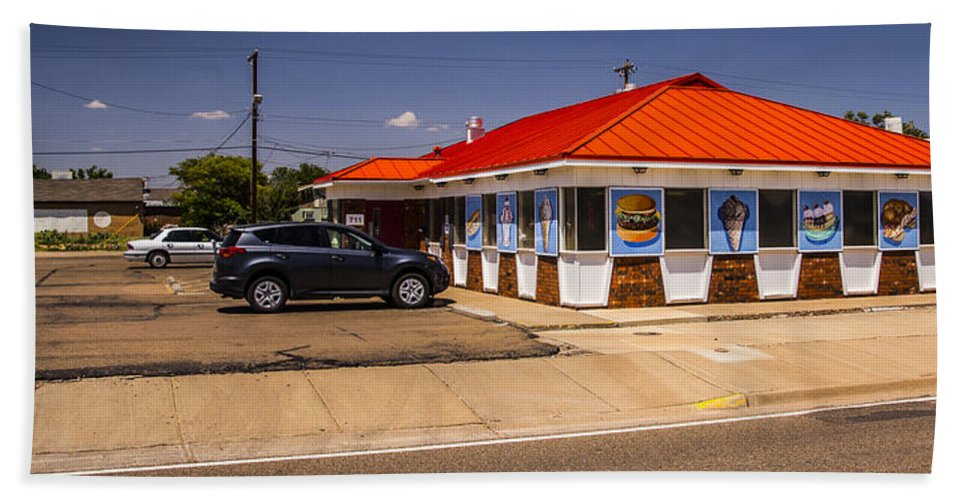 Route 66 Hand Towel featuring the photograph Hamburgers And Ice Cream by Angus Hooper Iii