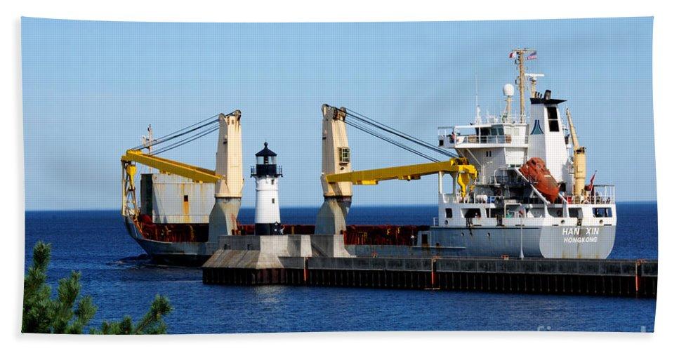 Ship Hand Towel featuring the photograph Han Xin Ship by Lori Tordsen