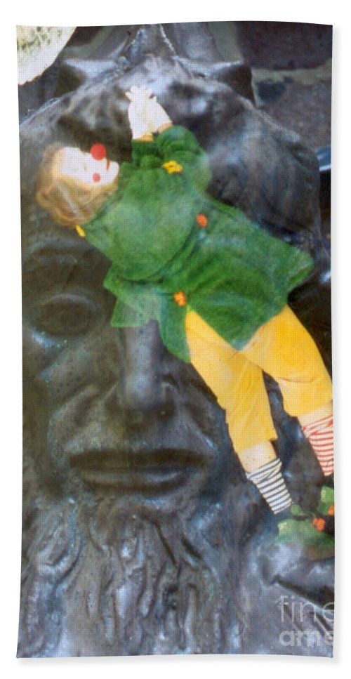 Clown Hand Towel featuring the photograph 10079 Hang On There by Colin Hunt
