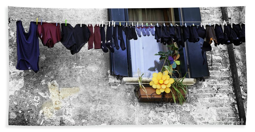 Laundry Hand Towel featuring the photograph Hanging Out To Dry In Venice 2 by Madeline Ellis