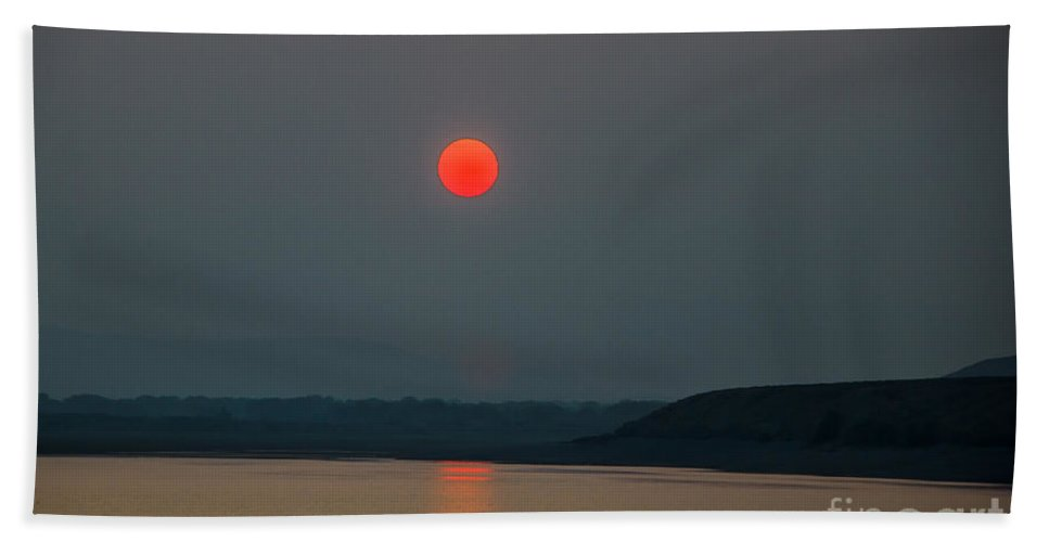 Sunset Hand Towel featuring the photograph Hanging Sun by Robert Bales